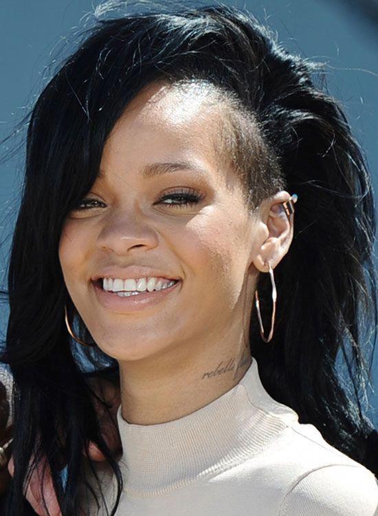 Rihanna Hairstyles Long Bald Bestlonghairstyles Rihanna Hairstyles Classy Hairstyles Bun Hairstyles
