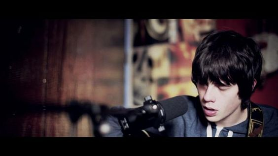Jake Bugg - Someone Told Me (Acoustic) by Michael Holyk. Director/DP: Michael Holyk