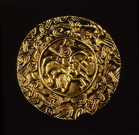 Placca in oro raffigurante guerriero Longobardo, inizio VII sec. - inv. 925