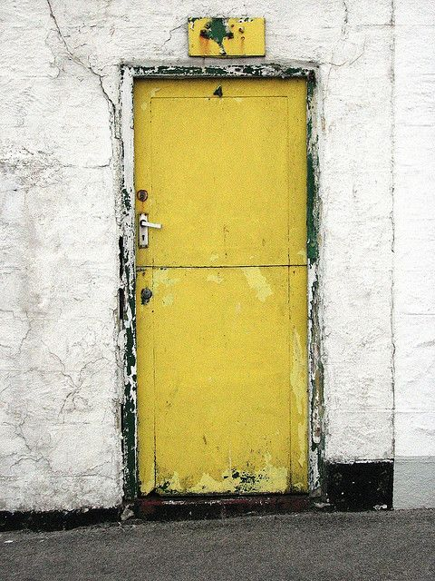 yellow door...