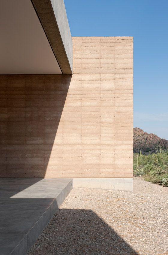 Tucson Mountain Retreat By D U S T Detached Houses Rammed Earth Homes Rammed Earth Earth Homes