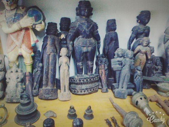 Antique stuffs in Fort Kochi