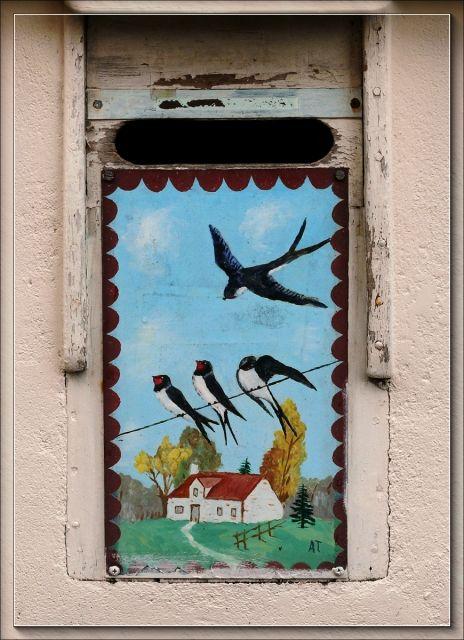Photo : Boite aux hirondelles,  France, Villes, Urbanisme, Grand angle, Reze, Boîtes à lettres. Toutes les photos de Serge AGOMBART sur L'Internaute