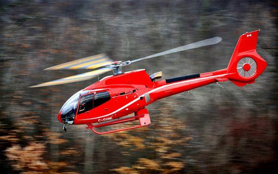 真っ赤なヘリコプター