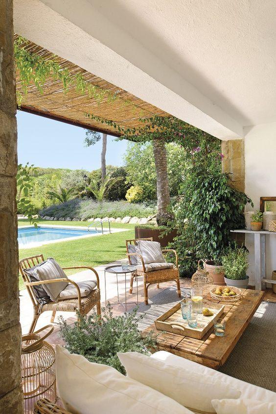 Une construction des années 50 en Espagne, sur la Costa Brava, vit une seconde jeunesse grâce à l'instinct décoratif de sa propriétaire, Eugenia, décoratrice d'intérieur. « La maison …
