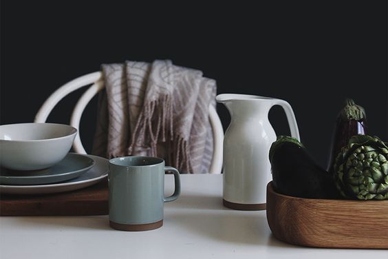 http://www.royaldoulton.com.au/blog/all-articles/5-simple-ways-to-redecorate-your-life/
