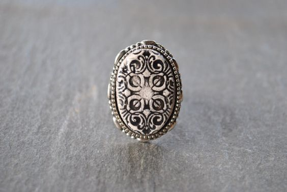 silver oval vintage garden ring  black and white by lilypottery