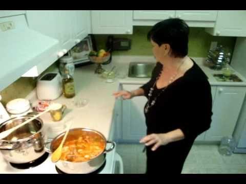 Hungarian Chicken Paprikash - Csirke Porkolt
