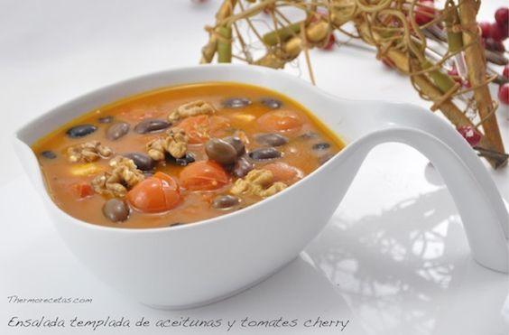 Ensalada caliente de aceitunas y tomates cherry - http://www.thermorecetas.com/2013/12/27/ensalada-caliente-de-aceitunas-y-tomates-cherry/