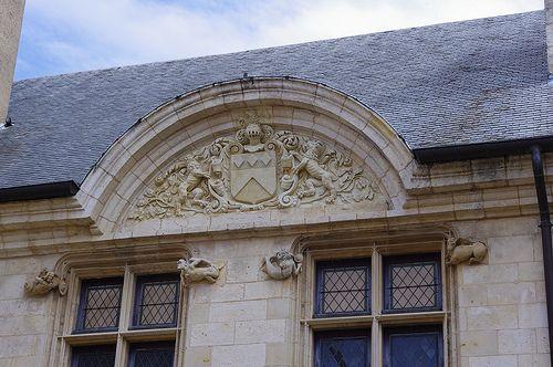 Bourges- Hôtel Lallemant - Cour d'honneur (coté rue de l'hôtel Lallemant)