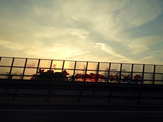 Sonnenaufgang auf der A1