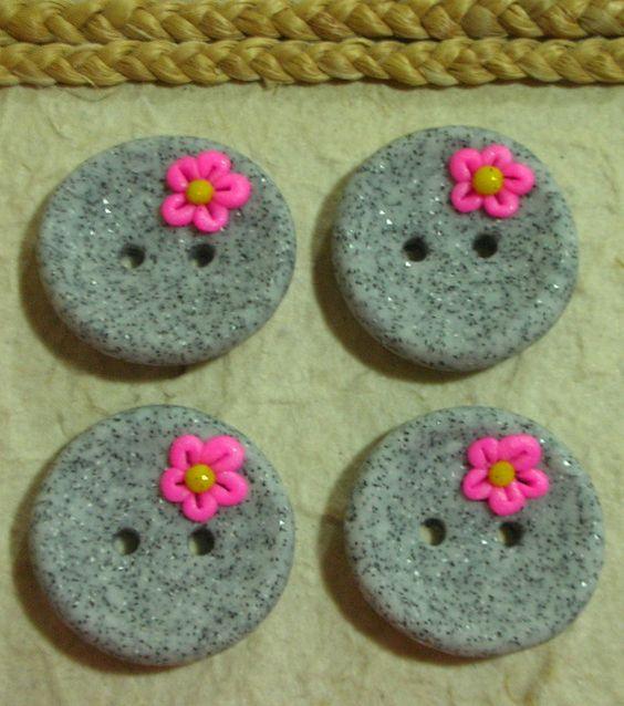 lotto 4 bottoni granito fiorellini by sciacca_laura, via Flickr