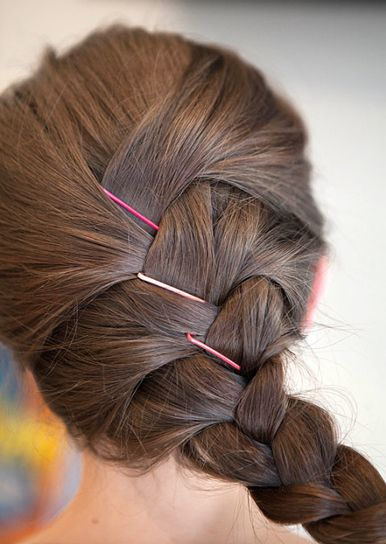 20 Genius Hairstyles You Can Do With Bobby Pins