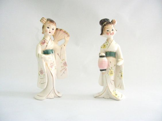 Pair of Geisha Porcelain Vintage Figurines Japan 1950s by mish73, £16.00