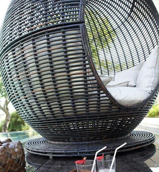 Le Mobilier De Jardin De Luxe Par Skyline Design Decorations Pour La Maison Mobilier Jardin Mobilier Decoration Maison