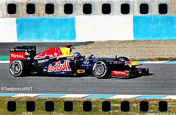 Sebastian Vettel rodando con su RedBull RB8 en el Circuito de Jerez.