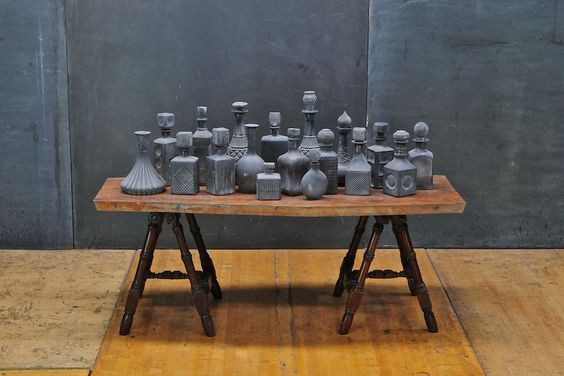 DECANTERS vintage-scorched