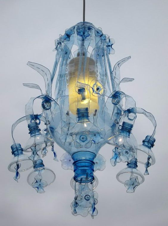 Инсталляции из пластиковых бутылок