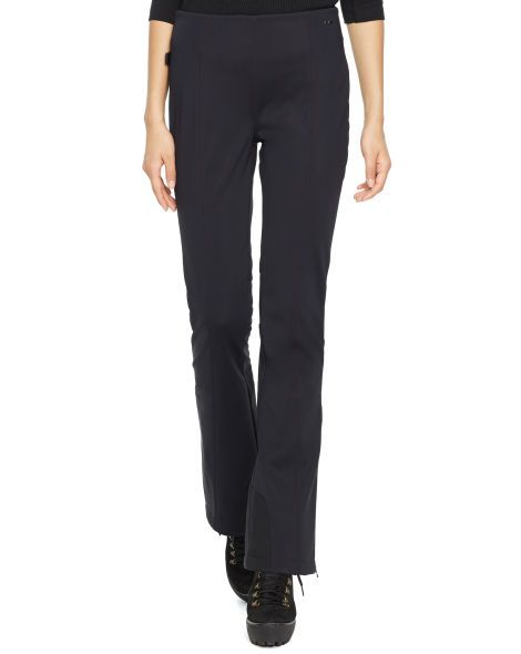 This sleek, water-resistant tech pant is designed with a slim-fitting bootcut silhouette and equipped with RECCO® Advanced Rescue Technology.