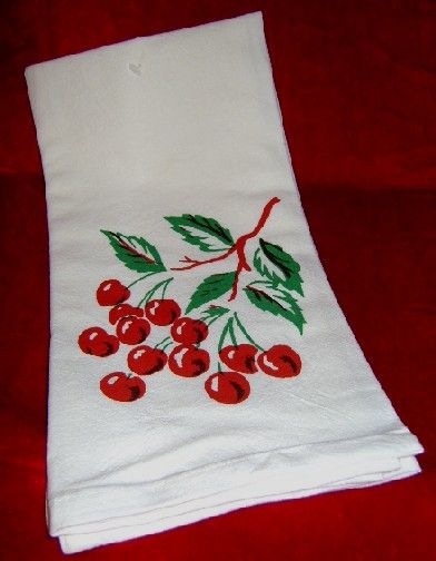 Delightful Vintage Cherry CHERRIES Tablecloth Look Flour Sack Kitchen Towel $6.99