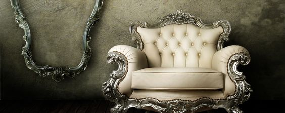 A couch that could only exist in a fairytale...