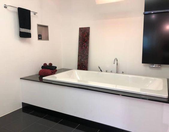 Anzeige Badwerk Korsing Heinrichschmidtgruppe Gestaltedeinbad Badezimmer Bathroomdesign Bathroominspiration Bathroom Bad Bade Badezimmer In 2019 Bathroom Bathtub Corner Bathtub