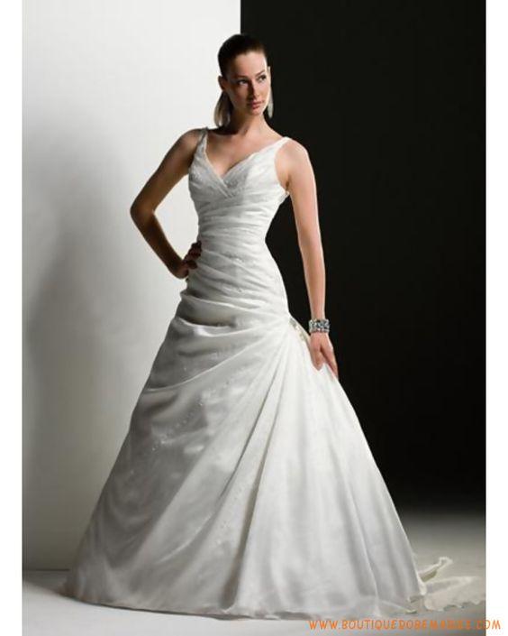 Robe de mariée de luxe col V en face et à l'arrière