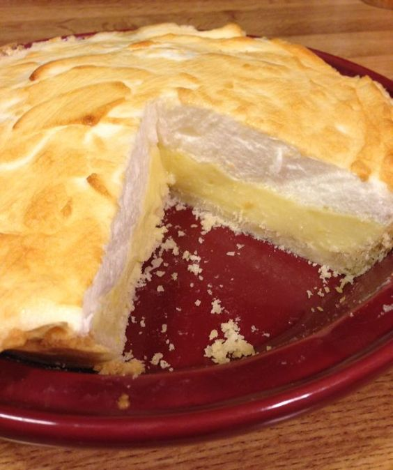 Sugar-Free & Gluten-free Lemon Meringue Pie (pie crust, cornstarch, gluten-free all-purpose flour, lemon, butter, egg, cream of tartar, granulated Splenda)