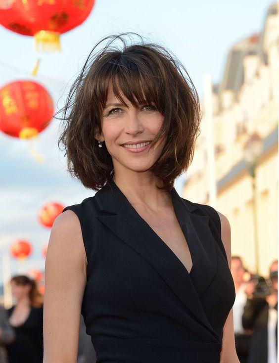 d grad e comment bien coiffer sa frange comment et sophie marceau. Black Bedroom Furniture Sets. Home Design Ideas