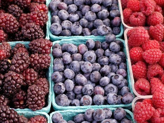 Berries: How to Shop for a Paleo Pantry