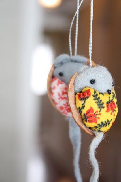 Clover Lane: A January Craft: Cute Walnut Mice