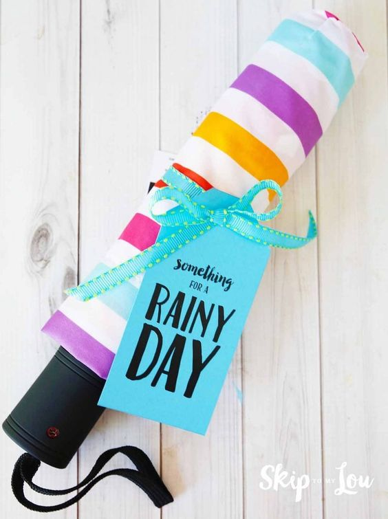 DIY Graduation gift ideas from MichaelsMakers Skip To My Lou something for a rainy day gift: