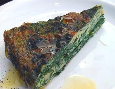 Tarta de espinaca y acelga con grelos.......semillas de sésamo (ajonjolí)