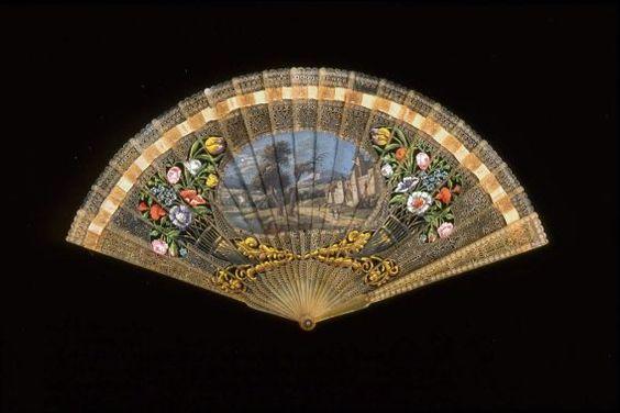 Brisé fan, 1810–20. France - in the Museum of Fine Arts Boston.