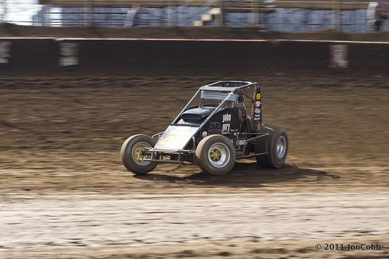 AMSOIL Sprint Car National Championship 2011 USAC Sprint Cars USAC National    Sprint Car Series, non-wing Sprint Car racing on dirt and asphalt across the    USA.    RePin this photo