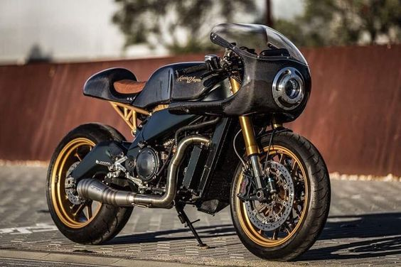 Aprilia RSV 1000 Cafe Racer by KACERWAGEN #motorcycles #caferacer #motos | caferacerpasion.com