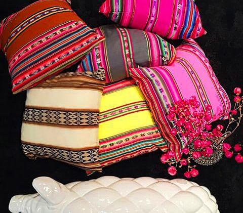 Coisinhas de decorar: Morriii com essas almofadas!!! #CosiHome