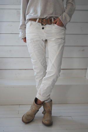 B I S K O P S G Å R D E N: Please jeans i lager