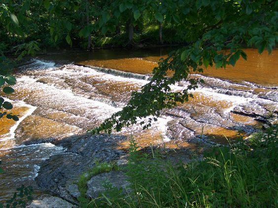 Rapid River Falls, Michigan | The Waterfall Record
