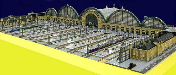 OMG. I *LOVE* this LEGO train station!!!!