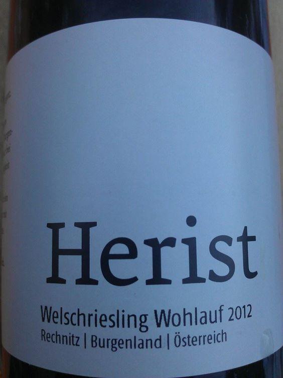 Lagen-Welschriesling Wohlauf von Dieter Herist. Ein burgundischer Wein mit viel Würze und langem Abgang! Welschriesling kann mehr!!