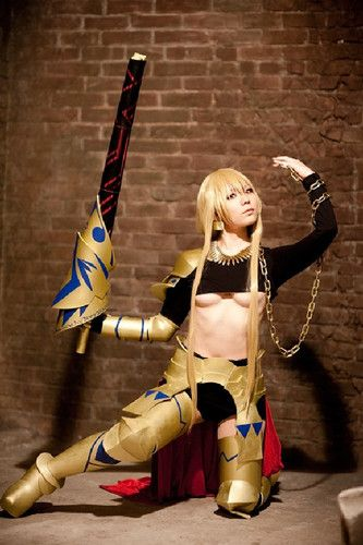 Gilgamesh (versión femenina) de Fate/Stay Night (22 fotos) : Más fotos en:  http://mascosplay.com/gilgamesh-version-femenina-stayfate-night-22-fotos/  #Gilgamesh #cosplay #FateStayNight #Sasa | mascosplay