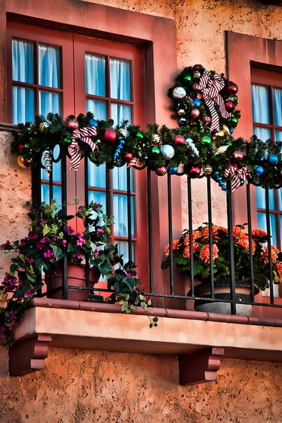 Balconies apartment balconies and christmas on pinterest for Balcony christmas lights ideas