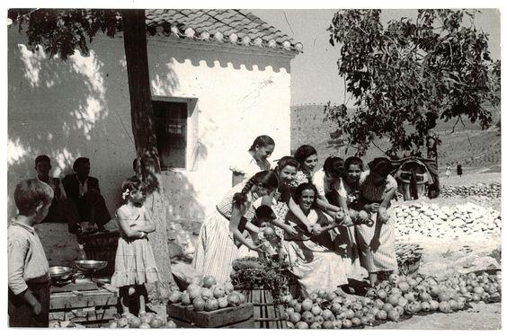 Romería de San Miguel en el Cerro del Aceituno del Albaicín en una imagen de fecha desconocida. Torres Molina/Archivo de IDEAL