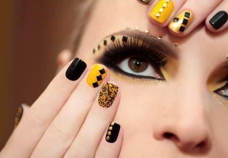 Decoracion de uñas postizas Fuente:http://decoracionpara.com