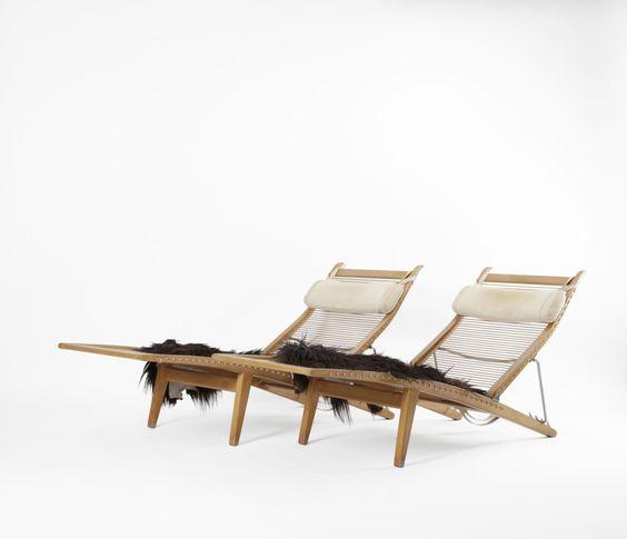 Dansk Møbelkunst Galleryhans j wegner A pair of deck chairs Shall