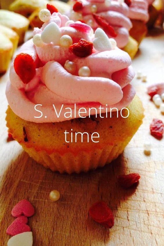http://blog.giallozafferano.it/gabriellalomazz/cupcake-con-bacche-di-goji-vaniglia-e-yogurt/Cupcake con bacche di goji vaniglia e yogurt