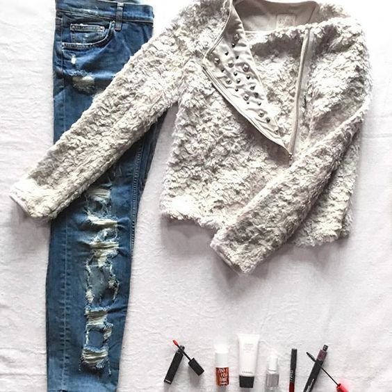 The Fluffy Denim Look  #ootd #photooftheday #instapic #love #style #cute #lookoftheday #girl #zara #chanel #benefitcosmetics #chachatint #essie #nars #mac #rippedjeans #fashion #flatlays @flatlays #flatlay #fashionflatlay #white