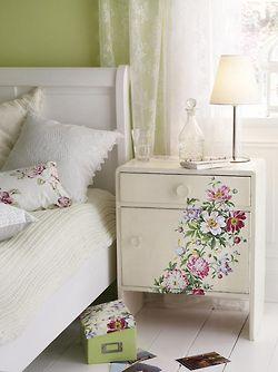 Lovely Romantic Bedroom