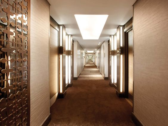 corridor decorative panels and wall paper hilton bankside corridor 10078 cordelia